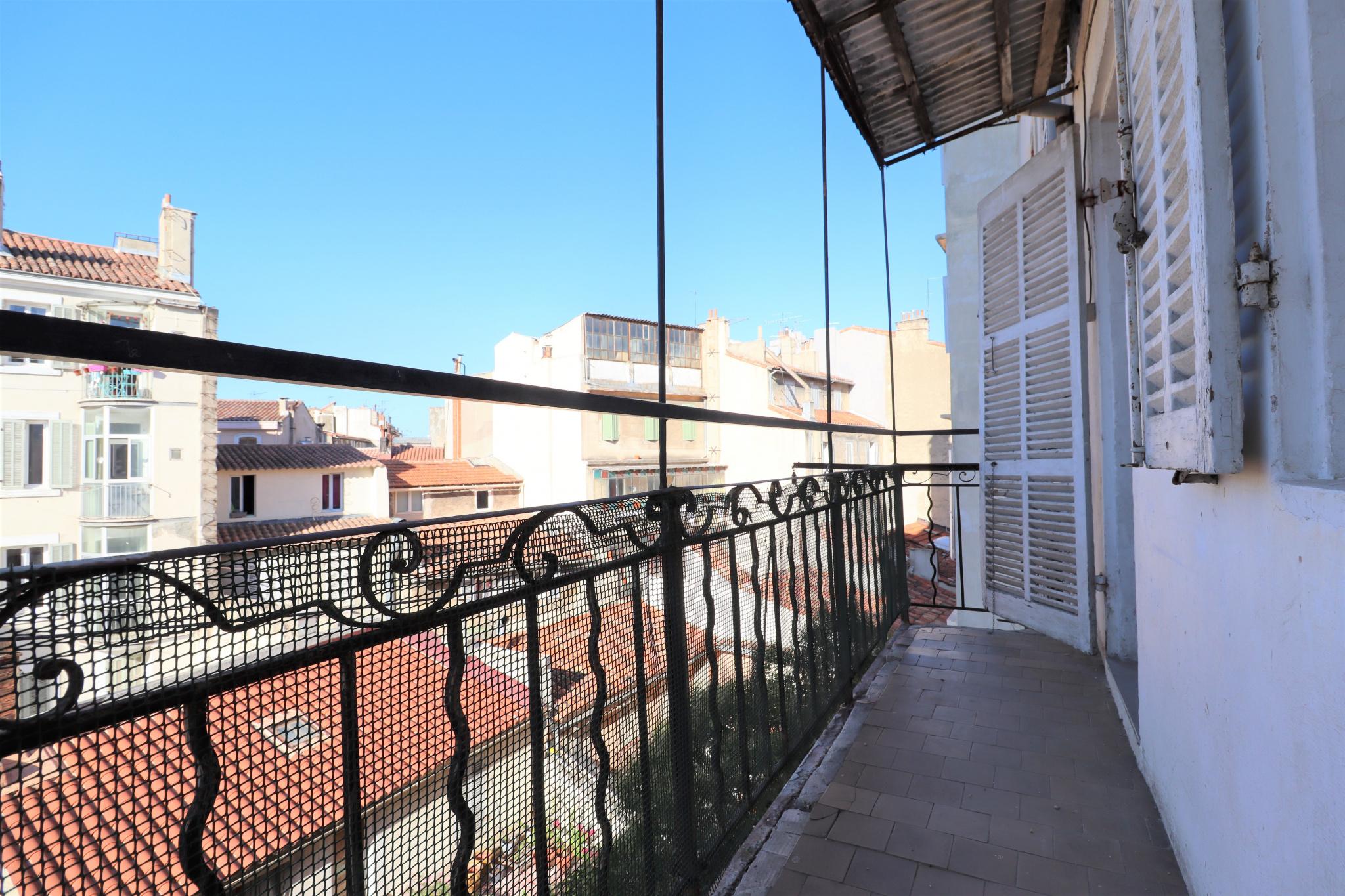 vente-appartement-Marseille-13006-3 pièces