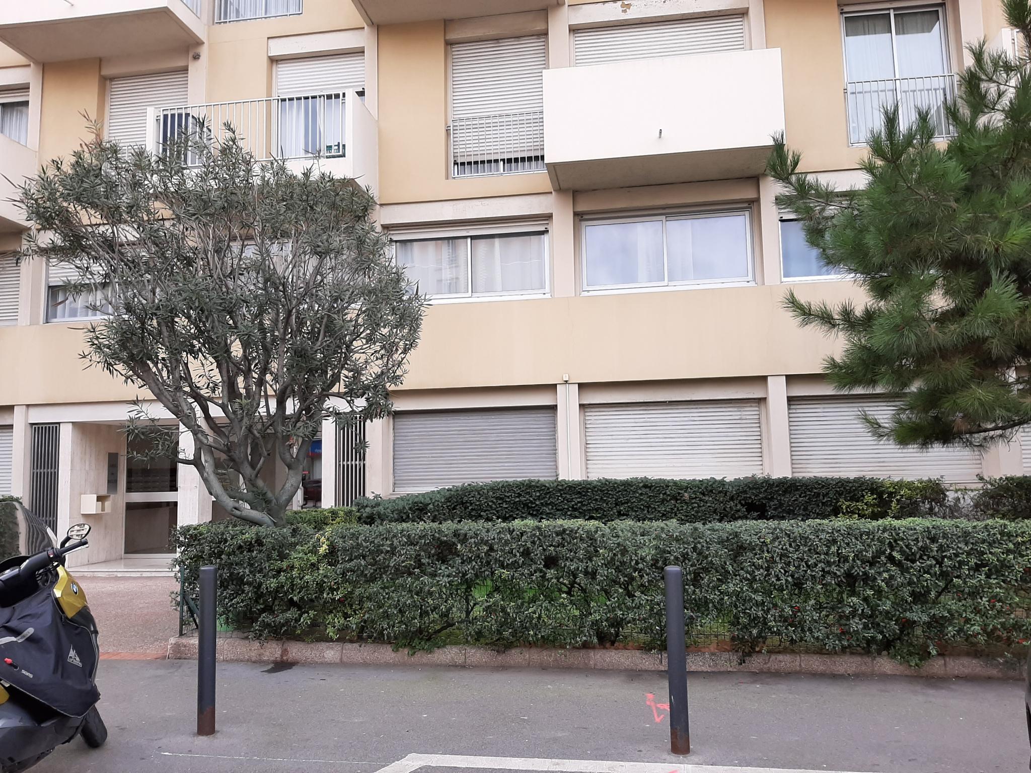 location-inconnu-Marseille-13005-