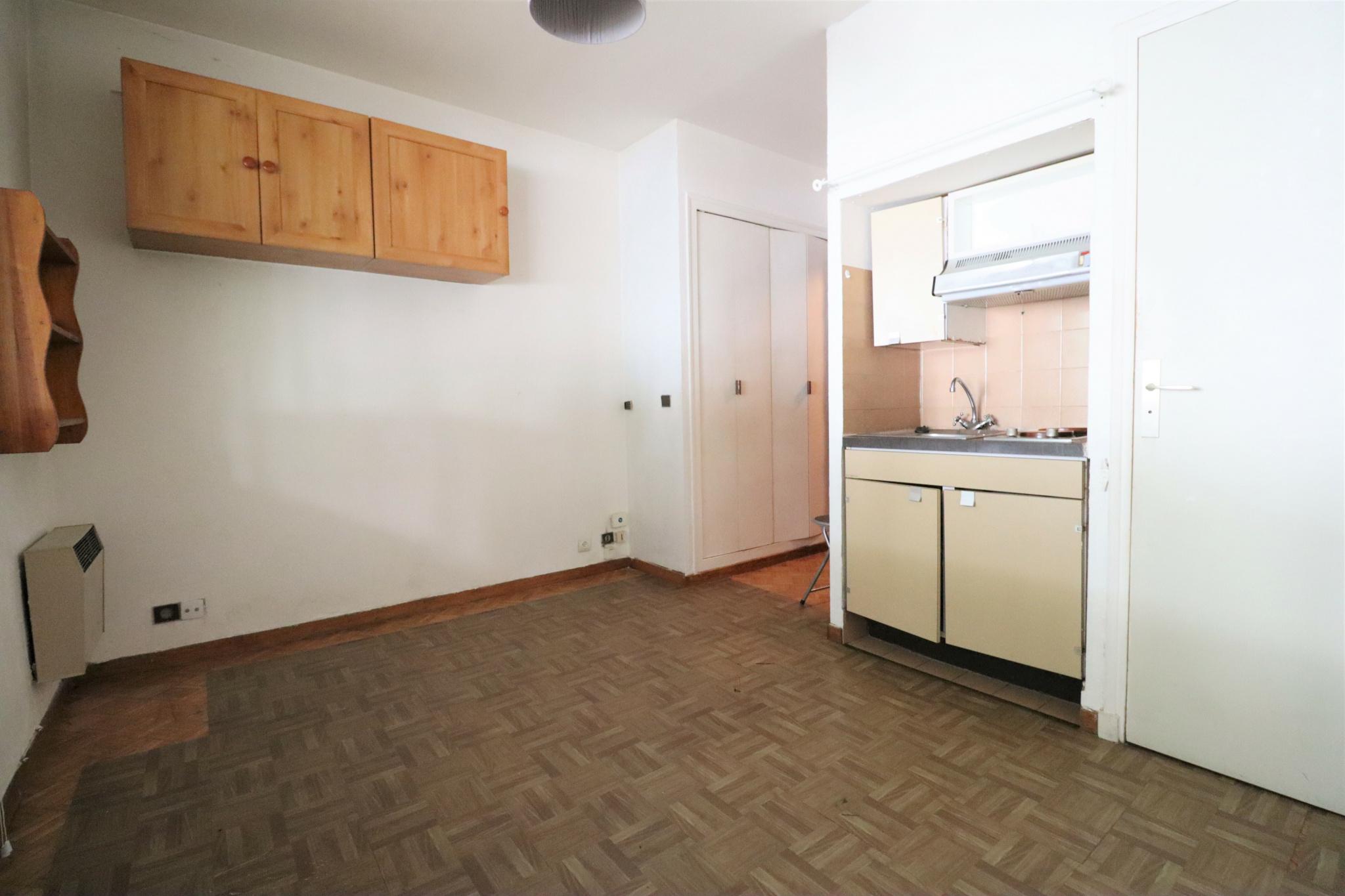 vente-appartement-Marseille-13008-1 pièce